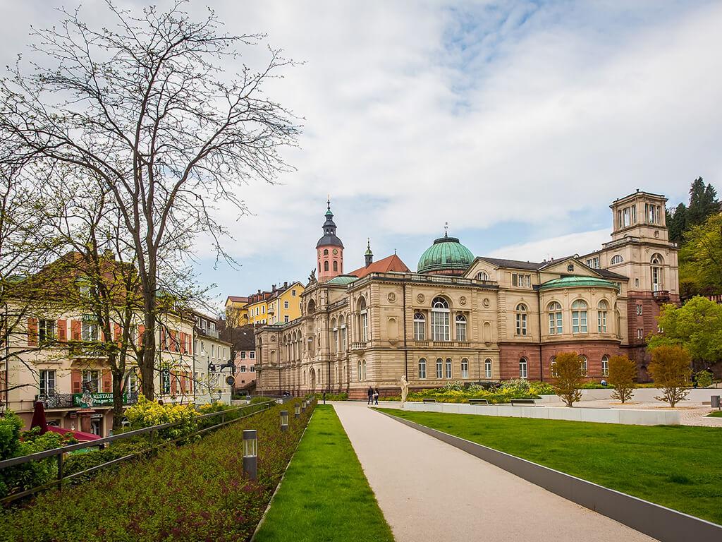 Lujo, glamour y relax en una escapada de amigas a Baden-Baden