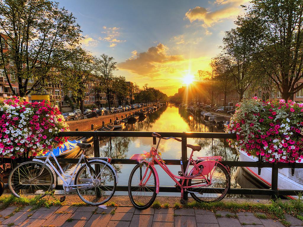Amsterdam en bicicleta - ciudades para recorrer en bicicleta