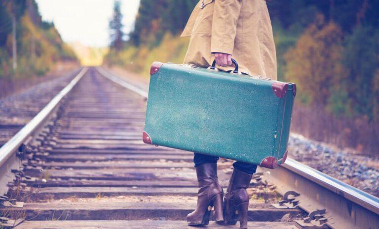 Cosas que no pueden faltar en la maleta más chic