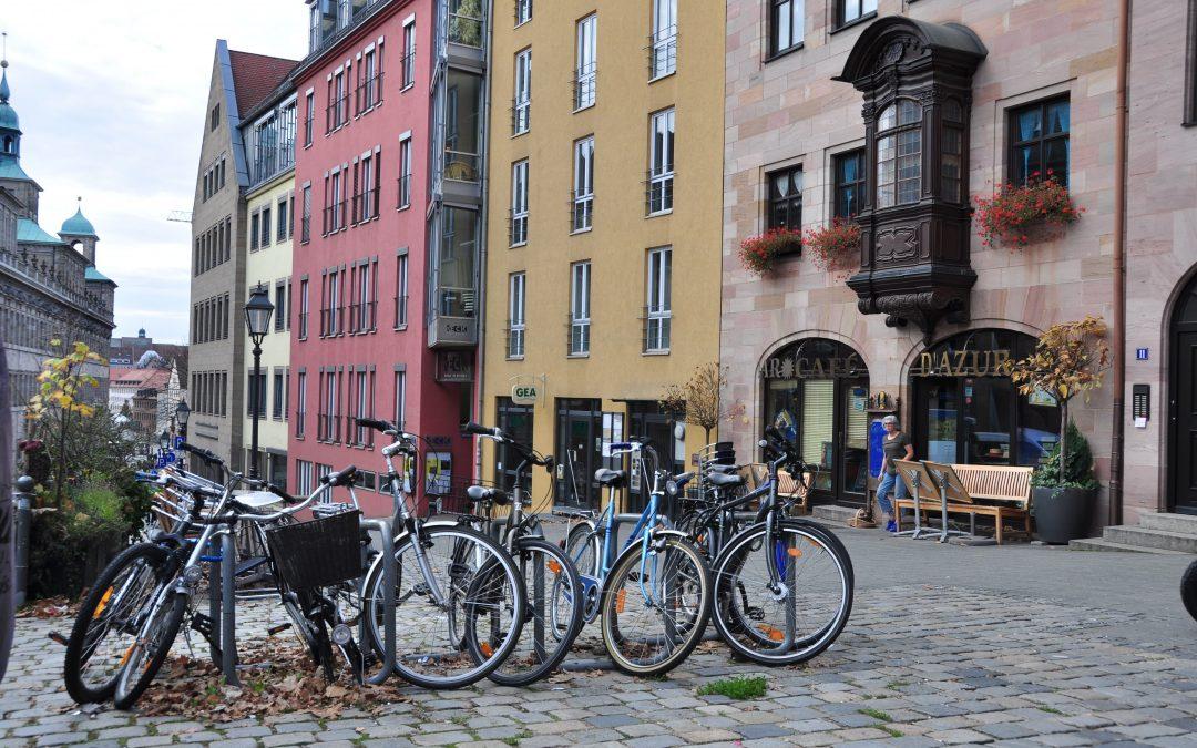 Viajar a Nuremberg: vuelos y transporte en la ciudad