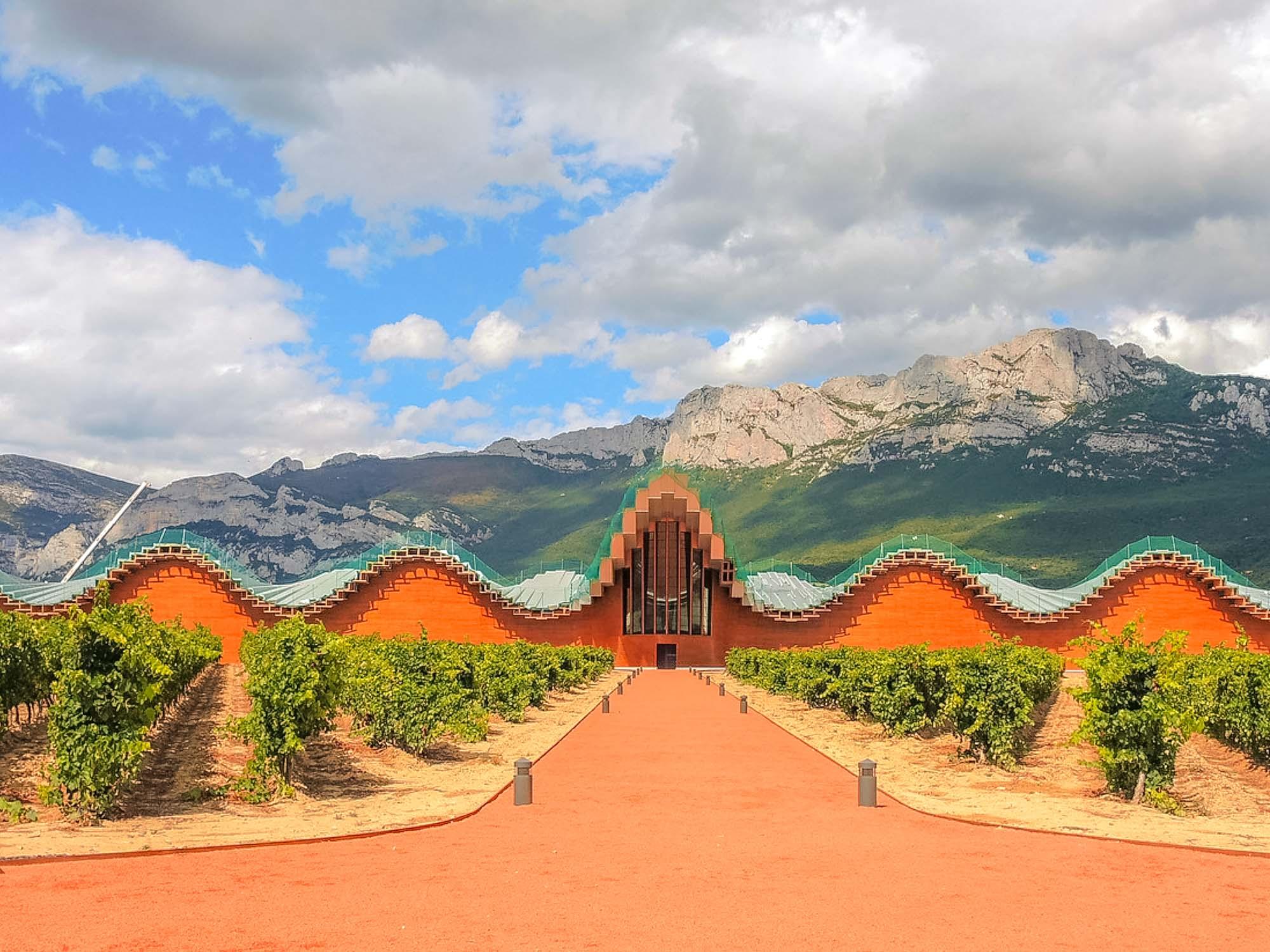 Bodegas Ysios, bodegas de La Rioja