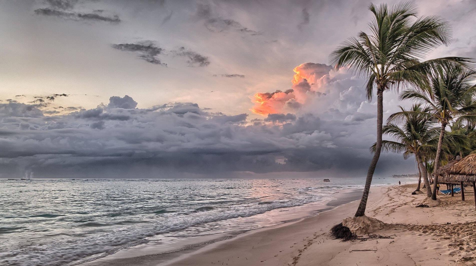 destinos de playa otoño