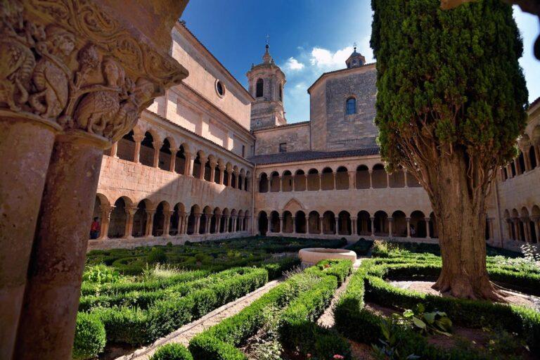 Alojamientos en monasterios